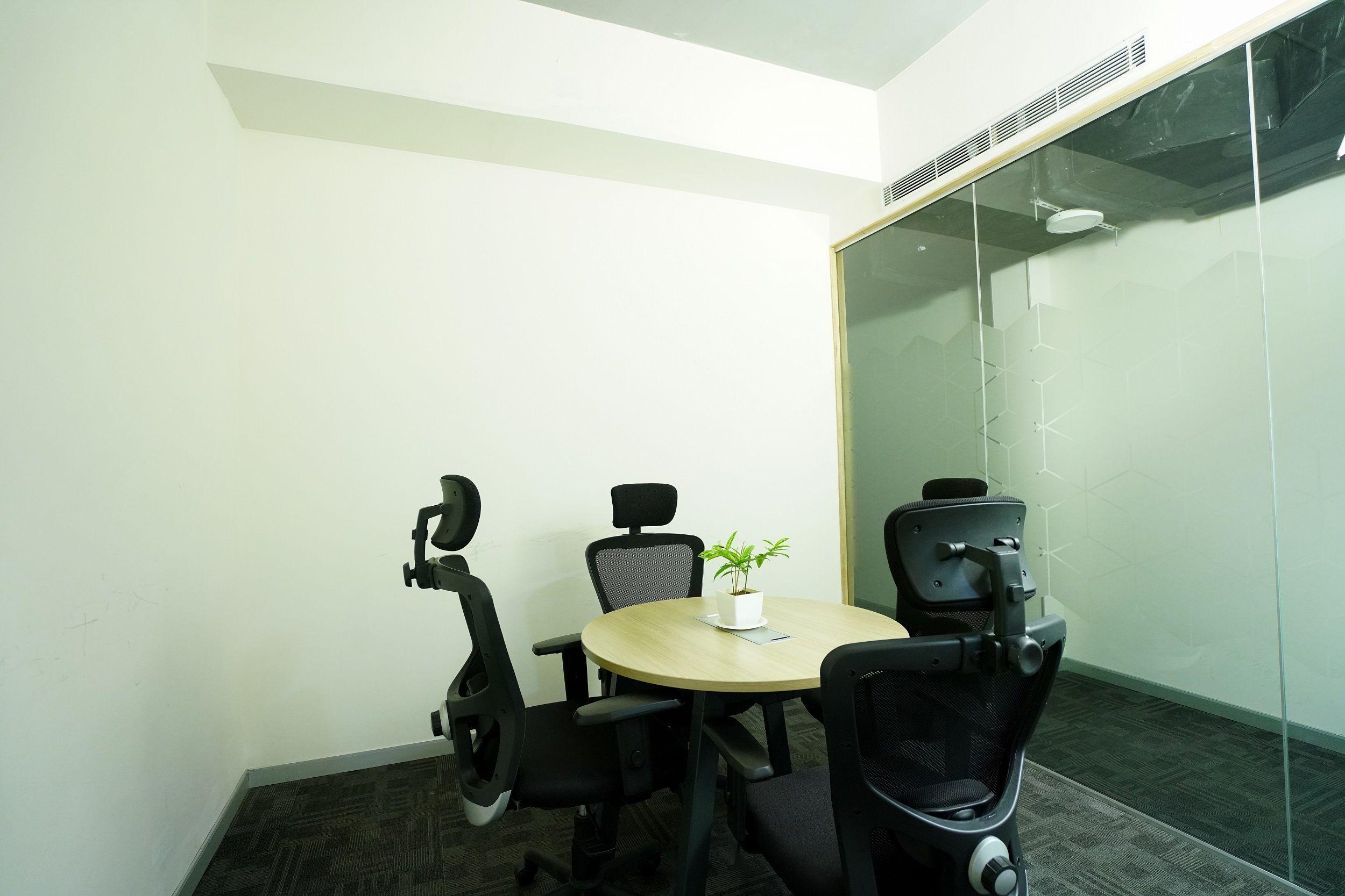 Rainmakers workspace Office room